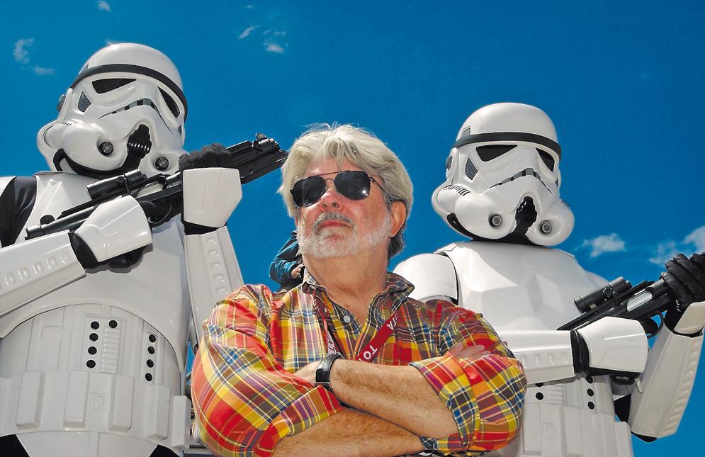 George_Lucas_escolta_imperial.jpg